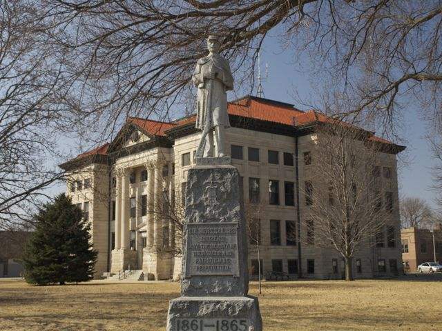 Civil War Memorial at the northeast corner of the square. The courthouse is in the background