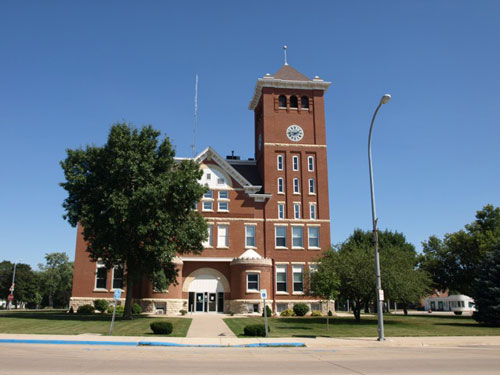 A view of the west side of the courthouse